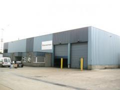 Goede gelegen bedrijfsruimte met kantoren gelegen op het industrie terrein Centrum Zuid te Houthalen. Indeling: magazijn 2.340 m², kantoren: 180