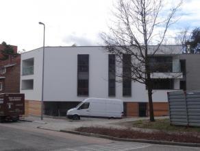 Nieuwbouw energiezuinig appartement van ca 80 m² gelegen op een rustige ligging in het centrum van Genk. Indeling: inkomhal, living met open keuk