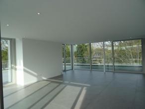 Magnifiek nieuwbouw dakappartement in het centrum van Genk. Ruim appartement met ca. 165 m² bewoonbare oppervlakte + ca. 90 m² zonneterras.