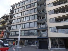 Instapklaar en ruim appartement in Genk centrum t.o.v. Shopping 1. Dit 3 slaapkamer appartement gelegen op de 1e verdieping heeft de volgende indeling