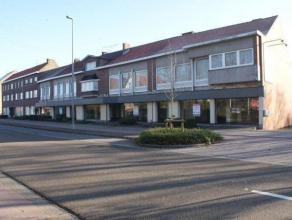 Centraal gelegen handelspand van circa 550 m² met privÃÂ parking en een brede vitrine. Deze winkel was de thuisbasis van baby huis N