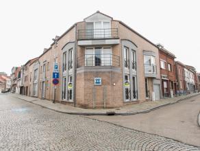 Gelijkvloers appartement van 111m² in het centrum van Bilzen. <br /> <br /> Momenteel ingericht als grote open kantoorruimte met grote vensters l