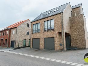 Dit appartementsgebouw van 2005 bevindt zich op korte wandelafstand van het centrum van Munsterbilzen. Zeer degelijke afwerking.<br /> De 3 ruime woon
