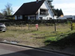 Deze zuidgerichte bouwgrond voor open bebouwing ligt in een residentiële buurt van Genk, Bret-Gelieren.  De bouwgrond is geschikt om een woning t
