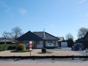 Vlakbij het centrum van Opglabbeek vinden we deze prachtige instapklare bungalow terug. <br /> <br /> Deze open bebouwing dateert van de jaren '50 maa