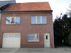 Goed gelegen woning met mooie tuin gelegen op een perceel van 4a49ca vlakbij het centrum van Beringen.    De woning is zeer verzorgd en bevat een in