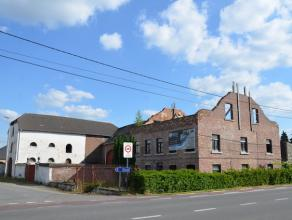 Te renoveren hoeve met bijgebouwen gelegen op de hoek van de Steenweg en de Hendrikstraat in Alken. <br /> Het perceel heeft een totale oppervlakte v