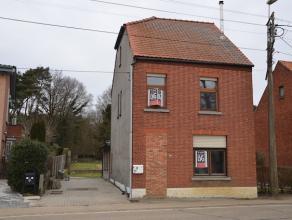 Goed gelegen woning in halfopen bebouwing op een perceel van 8a30ca. Vlakbij het centrum van Lummen en het Klaverblad.   De woning is enkele jaren g