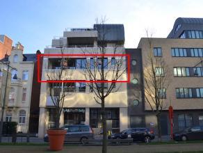 Zeer ruim, luxueus afgewerkt appartement met 3 terrassen gelegen op de 2de verdieping van de verzorgde residentie Da Vinci. Bewoonbare oppervlakte van