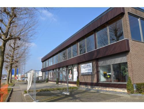 Handelsgelijksvloers te huur in Hasselt, € 2.300