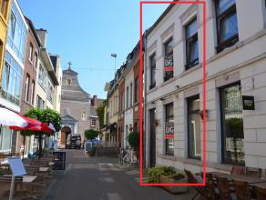 Charmante stadswoning gelegen in de gezellige Schrijnwerkersstraat vlakbij de Paterkeskerk. Pand met uitstraling!<br /> <br /> Mogelijkheid om het gel