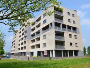 GELIJKVLOERS APPARTEMENT (105 M2) MET TUIN EN 2TERRASSEN<br /> <br /> Dit gelijkvloers appartement is gelegen op de hoek van 'Residentie Brigands' op