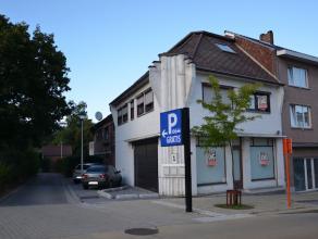 Centraal gelegen projectgrond op een perceel van 4a55ca. <br /> Op het perceel staat momenteel een te renoveren/af te breken gebouw waarin een handels