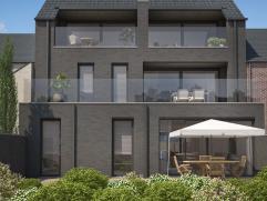 Stijlvol duplex appartement in centrum (app4 rechts). 2de verdieping   : hal - toilet - living met open keuken - wasplaats/berging - terras.  3de verd