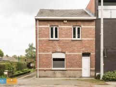Halfopen woning met 3 slaapkamers en tuin Deze charmante woning ligt op op een boogscheut van Genk en natuurpark Hoge Kempen met domein Hengelhoef. Id