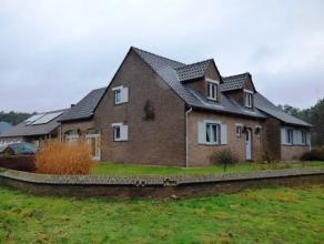Het betreft een prachtige villa OB, gelegen op een perceel van 70 are en 72 ca. Het pand is zeer rustig gelegen in een groene omgeving te Koersel (Sta
