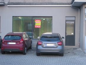Kantoor bestaande uit 3 aparte kantoren en één multi-functionele ruimte. (zie plan in bijlage)<br /> Totale oppervlakte +/- 85 m2<br />