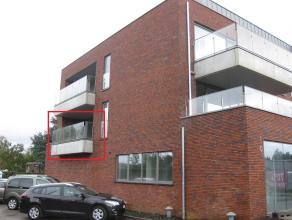 TE HUUR: recent appartement met 2 slaapkamers en terras van 15 m2<br /> <br /> Indeling: Inkomhal, toilet, 2 slaapkamers, badkamer, woonkamer met op