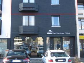 Appartement, gelegen in het centrum van Zolder, op 2 km van de E314 en op wandelafstand van bakker, supermarkt, lagere school, openbaar vervoer,...<br