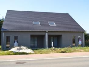Moderne nieuwbouwwoningen (hob) met achterliggend terras (zuidwest gericht) en mooi tuintje. 3 slaapkamers, Casco afwerking, Vg,Wg,Vvg,Gvkr,Gdv, mogel