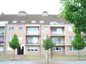 Gezellig appartement te Hulst met een ondergrondse private garage. Gelegen op de 2e verdieping (lift aanwezig i/h gebouw). Indeling: inkom, woonkamer
