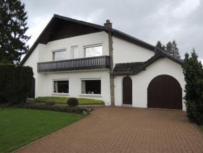 Villa gelegen in de buurt van de Noord Zuid verbinding en niet zover van het centrum van Hechtel-Eksel. Deze charmante villa is ingedeeld als volgt: g