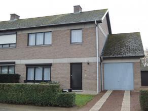 Woning HOB op een grondoppervlakte van 5 a 30 ca, gelegen in een rustige straat op een paar kilometer van het centrum van Beringen. Indeling: inkomhal