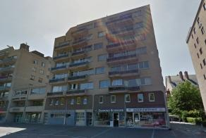 Appartement te huur met 1 slaapkamer in Res. Jordaens, gelegen in het centrum van Genk.EPC-waarde 262 kWh/m²/jaar.In overleg met de huidige huurd