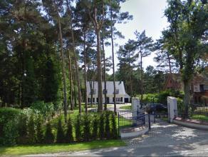 Villa in open bebouwing, ingedeeld als bureau, gelegen op een perceel van ca. 19a. Mogelijkheid tot bemeubeld huren.