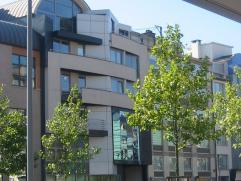 Goed gelegen en instapklare kantoorruimte op de 1e verd. in het centrum van Genk vlakbij de markt, in uitstekende staat.
