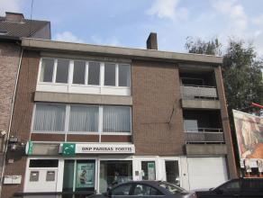 Bestaande kantoorruimte (voormalig bankkantoor) gelegen aan de drukbezochte Hoevenzavellaan. Zeer commerciële ligging!