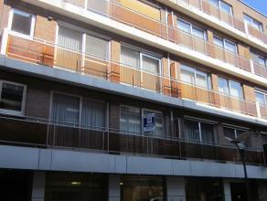 Ruim appartement met 3 slpks gelegen op de 1e verd. in het centrum. Mogelijkheid huur garage. Beschikbaar vanaf 01/05/2015.