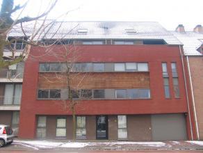 Duplex appartement met 3 slaapkamers ,oppervlakte van ca. 100m², incl. garagebox met een extra deur voor de berging ruimte.