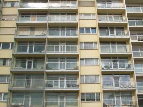 Mooi app. (ca. 95 m²) op de 9e verdieping met 2 ruime slaapkamers, incl. garage en kelderberging. Onmiddellijk vrij.