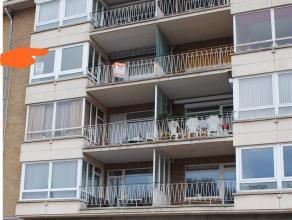 Residentie Robyns: 3e verdieping Ruim appartement (131m²) met 3 slaapkamers, ondergrondse afgesloten garage en kelderberging.  Indeling:  Rui