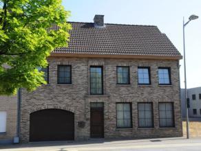Zeer goed onderhouden woning met 5 slaapkamers en mooie tuin.  Deze prachtige woning ligt in het centrum van As op een boogscheut van het gemeentehu