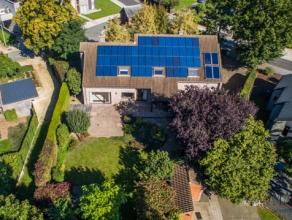 Deze ruime villa vinden we terug op de rand van het centrum van Beringen, gelegen  op korte afstand van de autosnelweg E313. De dagdagelijkse winkels