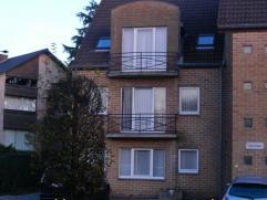 Ligging en omgeving Dit appartement geniet een uitstekende ligging te midden van het gezellige centrum van As, centraal tussen Genk en Bree. Alle bevo