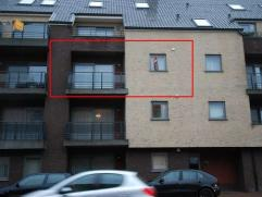 Zeer ruim en instapklaar appartement met 2 slaapkamers en 2 terrassen, gelegen op 2e verdiep.Appartement volledig voorzien van een tegelvloer (slaapka