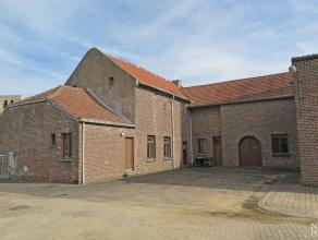 Te renoveren beschermd monument (sinds 2004): Oude brouwerij en bijgebouwen op een perceel van 11 are 36 ca dewelke zeer veel mogelijkheden bieden, oo