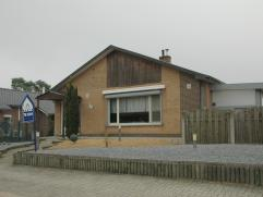 Recent gerenoveerde, gelijkvloerse woning op perceel van 6a12ca. Deze gerenoveerde, gelijkvloerse woning is gelegen op een perceel van 6a12ca in een z