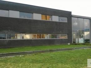 """Stijlvolle kantoren met een oppervlakte van 775 m² op industrieterrein """"Centrum-Zuid"""". De kantoren zijn gelegen op eerste verdieping en zijn afzo"""
