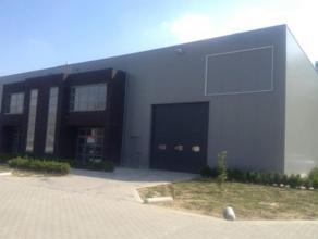 Goed gelegen nieuwbouw bedrijfsunit te Genk, nabij de E314. Deze unit maakt deel uit van het bedrijvenpark Zwartberg en heeft een oppervlakte van 580m