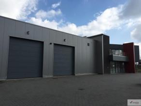 Interessant bedrijfsgebouw met woonst en showroom gelegen op het industrieterrein Genk-Zuid (op enkele kilometers van zowel de E313 als de E314; met d