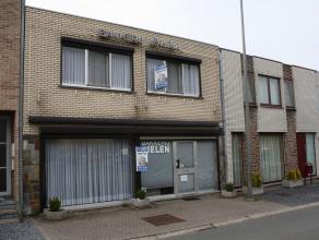 Ruime woning met 4 slaapkamers.  Op het onze lieve vrouw plein 7 te Hoeselt vinden we deze super goed onderhouden woning terug.  Een klein gedeelt