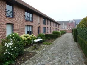 Appartement met 1 slaapkamer en mezzanine in het stadscentrum van Sint-Truiden, op wandelafstand van de Grote Markt.Het appartement bestaat uit living