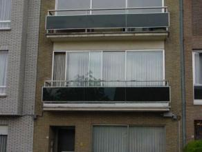 Appartement in het centrum van Sint-Truiden . Indeling : - hall, living, keuken, berging, badkamer, 2 slaapkamers, terras, kelder.Het houden van huisd