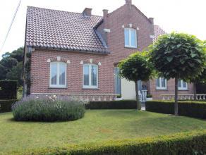 Deze ruime, verzorgde woning is gelegen aan de Leenhaagstraat 57 te Budingen op een perceel van 16a11ca. De rustige, landelijke omgeving biedt tal van