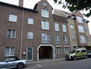 Mooi, gezellig appartement op de 1e verdieping, gelegen op wandelafstand van de Grote Markt van Sint-Truiden.Het mooie appartement bestaat uit een liv