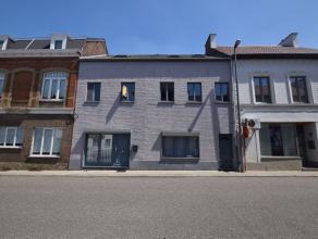 Ruim bemeten appartement met een woonoppervlakte van 200 m², en een zeer gunstige energiescore. Fijne ligging in het centrum van Landen, op wande